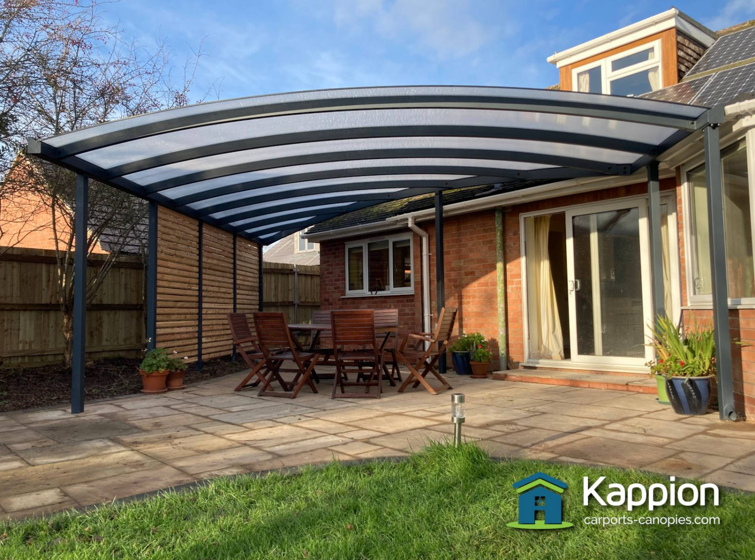 curved-patio-canopy-worcester-001